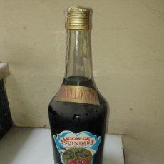 Coleccionismo de vinos y licores: LICOR DE GUINDAS DESTILERIAS RUTIS. Lote 163376770