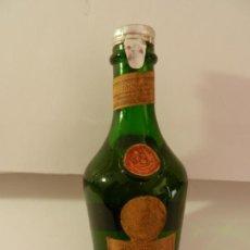 Coleccionismo de vinos y licores: BOTELLIN LIQUORE BENEDICTINE.. Lote 165792214