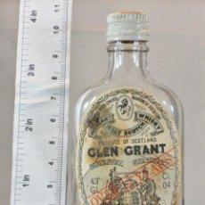 Colecionismo de vinhos e licores: BOTELLITA BOTELLIN GLEN GRANT SCOTCH WHISKY 12 YEARS GLASGOW AND ROTHES. Lote 166469082
