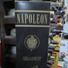 Coleccionismo de vinos y licores: ANTIGUA CAJA VACIA BRANDY COÑAC, NAPOLEÒN RESERVA 12 AÑOS. Lote 166800922