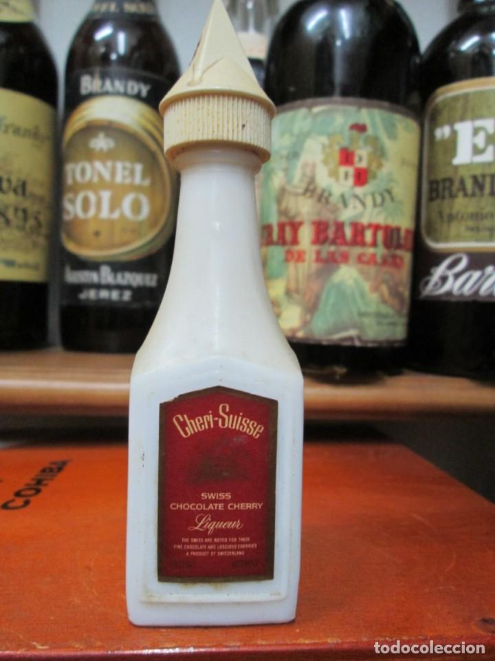 ANTIGUO BOTELLIN BRANDY COÑAC, CHERI SUISSE CHOCOLATE SHERRY LICOR 11CM (Coleccionismo - Botellas y Bebidas - Vinos, Licores y Aguardientes)