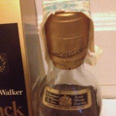 Coleccionismo de vinos y licores: JOHNNIE WALKER BLACK LABEL 12 YEARS EXTRA SPECIAL OLD SCOTCH WHISKY. *AÑOS 60*. SIN ABRIR, CON CAJA. Lote 169007804