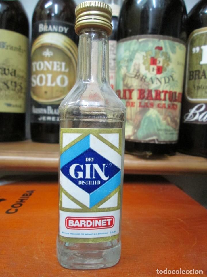 ANTIGUO BOTELLIN BRANDY COÑAC, DRY GIN BARDINET-12 CM (Coleccionismo - Botellas y Bebidas - Vinos, Licores y Aguardientes)