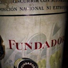 Coleccionismo de vinos y licores: FUNDADOR, CON PRECINTO DE 4 PESETAS. AÑOS 72.. Lote 169882728