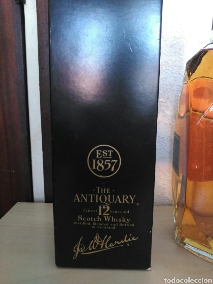Coleccionismo de vinos y licores: Whisky the Antiquary 12 años - Foto 5 - 170985802