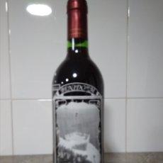 Coleccionismo de vinos y licores: BOTELLA VINO DE RIOJA 1991 HOMENAJE A LA LOCALIDAD DE BENIDORM.. Lote 171360087