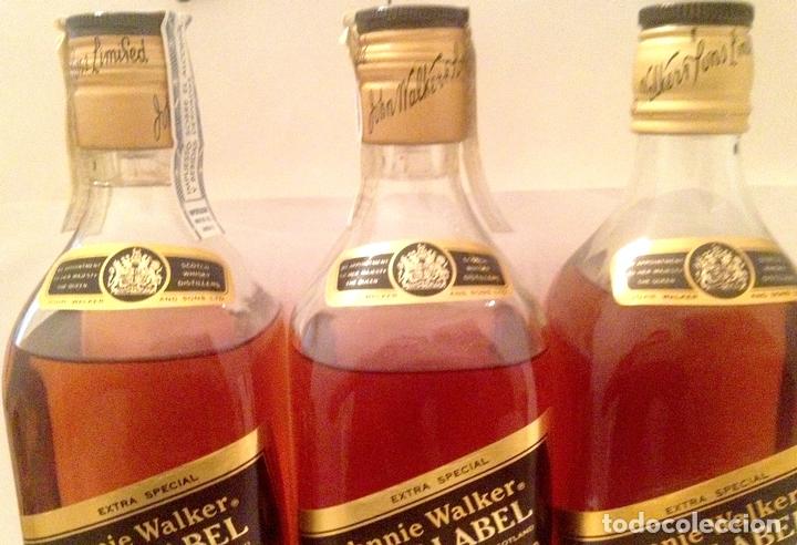 Coleccionismo de vinos y licores: 3 botellas de JOHNNIE WALKER BLACK LABEL old Scotch whisky 12 años. Sin abrir; 2 en caja. Años 80. - Foto 2 - 169006676