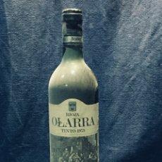 Coleccionismo de vinos y licores: BOTELLA RIOJA OLARRA TINTO. Lote 173080987