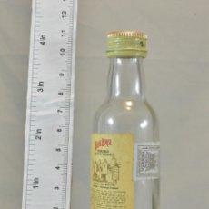 Coleccionismo de vinos y licores: BOTELLITA BOTELLIN WHISKY WHITE HORSE FINE OLD SCOTCH WHISKY GLASGOW. Lote 173442380