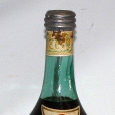 Coleccionismo de vinos y licores: GRAN BOTELLA MARTINI VINO VERMUT MARTINI & ROSSI. TAPON CORCHO Y PLOMO. DE COLECCION. 52 CM. ALTURA. Lote 173574100