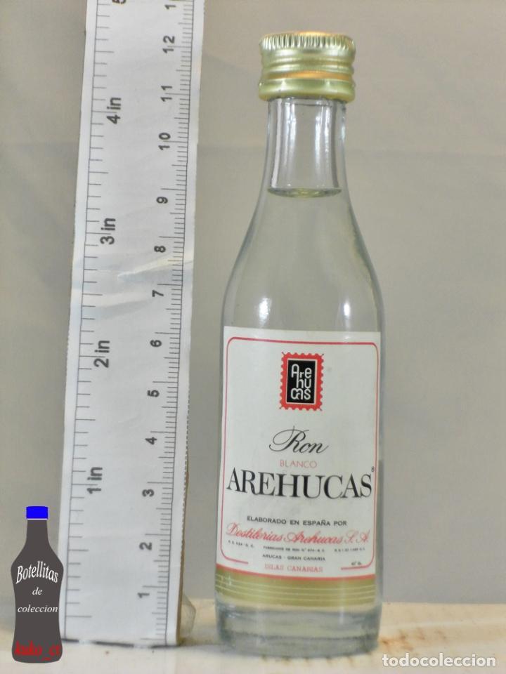 BOTELLITA BOTELLIN RON BLANCO AREHUCAS DESTILERIAS AREHUCAS ARUCAS ISLAS CANARIAS (Coleccionismo - Botellas y Bebidas - Vinos, Licores y Aguardientes)