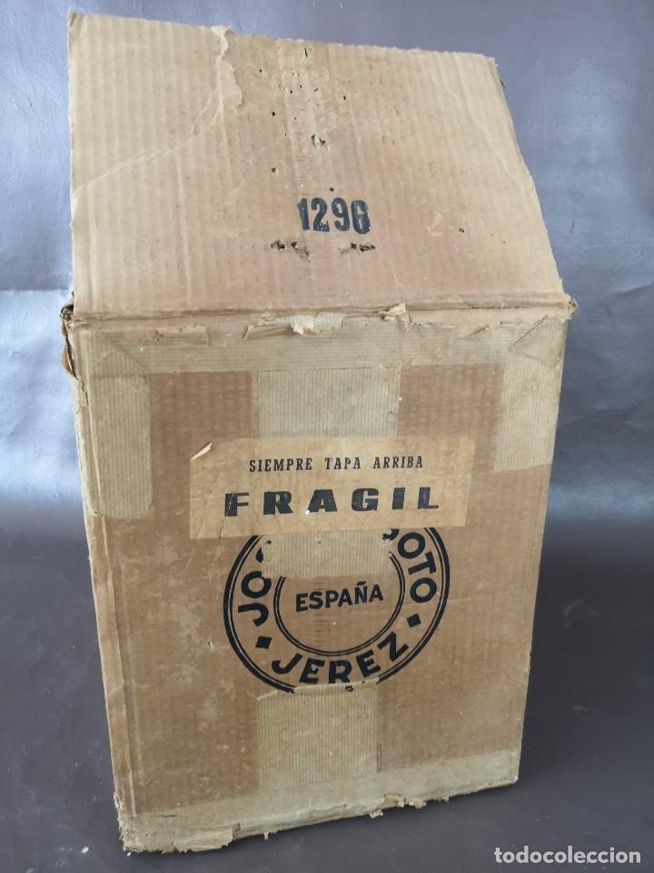 Coleccionismo de vinos y licores: CAJA DE 10 BOTELLAS DE JEREZ JOSE DE SOTO FINO CAMPERO AÑOS 60 SIN ABRIR - Foto 14 - 175901960