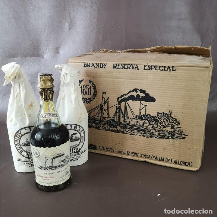 CAJA DE 6 BOTELLAS DE BRANDY VIEJISIMO 1851 RESERVA ESPECIAL BOTELLA DEL CENTENARIO 1951 MALLORCA (Coleccionismo - Botellas y Bebidas - Vinos, Licores y Aguardientes)