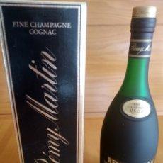 Coleccionismo de vinos y licores: FINE CHAMPAGNE COGNAC REMY MARTIN. PRECINTADA. Lote 176352582