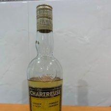 Coleccionismo de vinos y licores: CHARTREUSE TARRAGONA BOTELLA ABIERTA 24 CMS. Lote 176960182