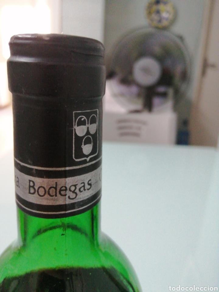 Coleccionismo de vinos y licores: OLARRA TINTO DE CRIANZA DE 1973. RIOJA BODEGAS OLARRA. - Foto 7 - 177721462