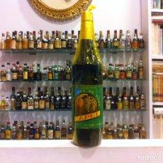 Coleccionismo de vinos y licores: MOSCATEL DE PASA. CAPEL. ENVOLTORIO CELOFÁN. MURCIA. PRECINTADO. ALTURA: 31,5CM.. Lote 178095287