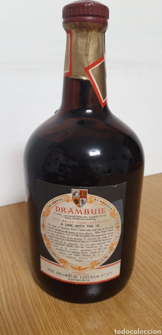 Coleccionismo de vinos y licores: ANTIGUA BOTELLA DE LICOR DRAMBUIE - Foto 2 - 178151935