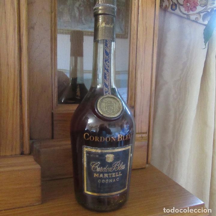 BOTELLA COGNAC BRANDY MARTELL CORDON BLEU (Coleccionismo - Botellas y Bebidas - Vinos, Licores y Aguardientes)