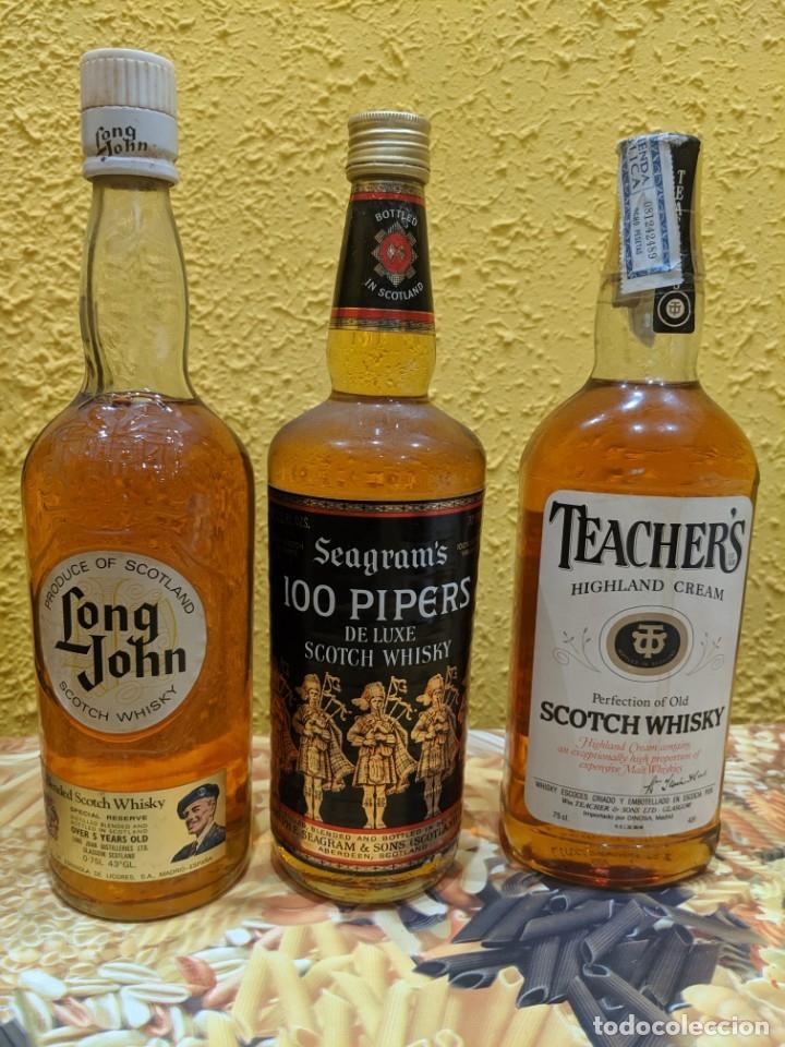 WHISKY LOTE 3 BOTELLAS AÑO 1980 (Coleccionismo - Botellas y Bebidas - Vinos, Licores y Aguardientes)