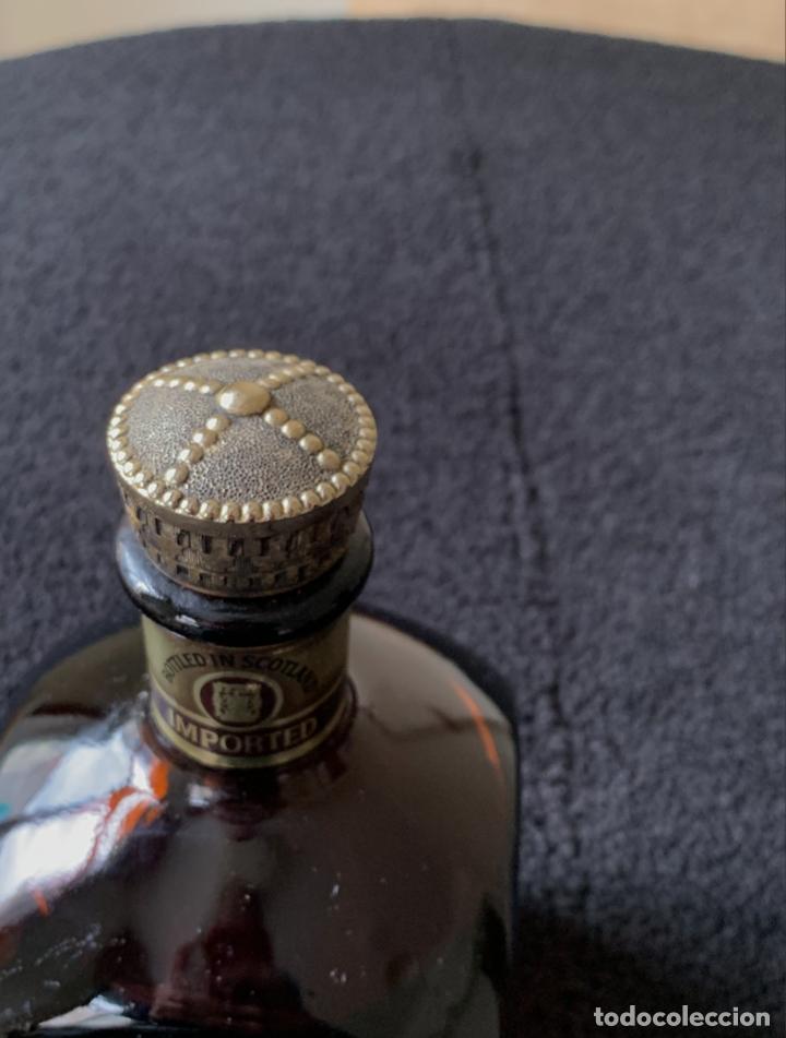 Coleccionismo de vinos y licores: BOTELLA LICOR LOCHAN ORA ANTIGUA CHIVAS BROTHERS - Foto 4 - 179095140