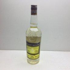 Coleccionismo de vinos y licores: ANTIGUA BOTELLA DE CHARTREUSE VOIRON - AÑO 2003 . Lote 179257055