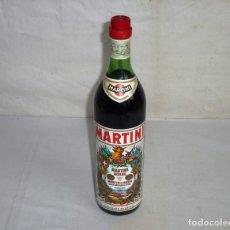 Coleccionismo de vinos y licores: ANTIGUA BOTELLA DE MARTINI & ROSSO.. Lote 179326593