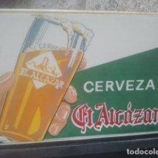 Coleccionismo de vinos y licores: CERVEZA EL ALCÁZAR, JAÉN - ANTIGUO SERVILLETERO - MUY BONITO Y RARO - PUBLICIDAD. Lote 180242083