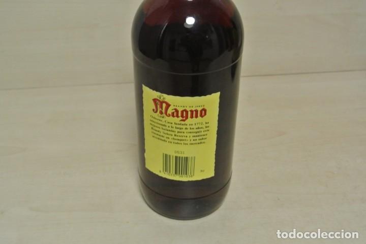 Coleccionismo de vinos y licores: BRANDY DE JEREZ , MAGNO , OSBORNE - Foto 4 - 180278213
