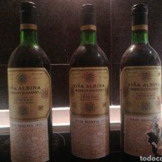 Coleccionismo de vinos y licores: VIÑA ALBINA 1970 3 BOTELLAS. Lote 182037052