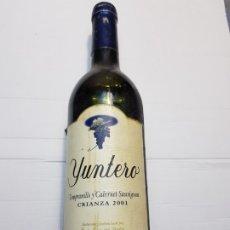 Coleccionismo de vinos y licores: BOTELLA VINO TEMPRANILLO Y CABERNET SAUVIGNON (YUNTERO) 2001. Lote 182061043