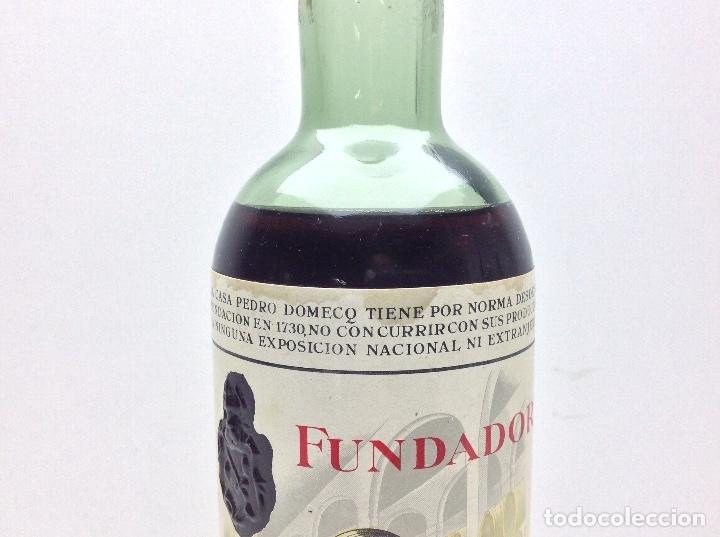 Coleccionismo de vinos y licores: BOTELLA DE BRANDY FUNDADOR DOBLE ETIQUETA PRECINTO 80 CTS - Foto 4 - 43405275