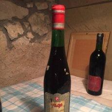 Coleccionismo de vinos y licores: ANTIGUA BOTELLA DE VINO TINTO MARCA YAGO RIOJA SANTIAGO AÑOS 1968. Lote 183024872