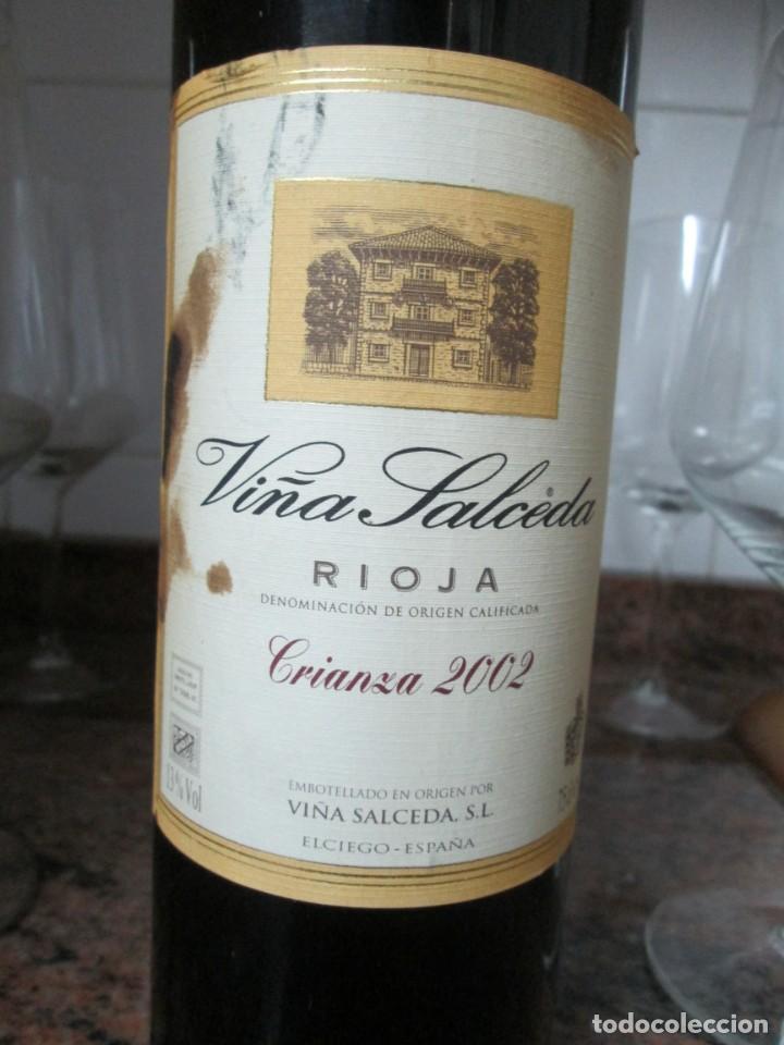 Coleccionismo de vinos y licores: ANTIGUA BOTELLA VINO VIÑA SALCEDA RIOJA CRIANZA 2002 - Foto 2 - 183423387