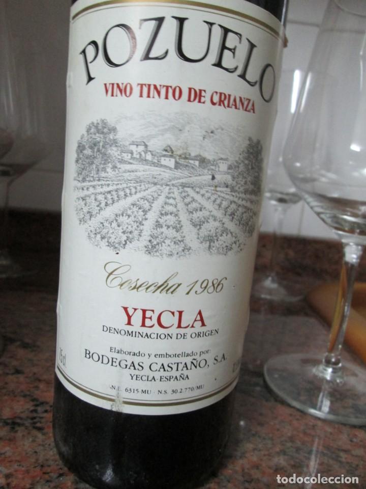 Coleccionismo de vinos y licores: ANTIGUA BOTELLA DE VINO, POZUELO TINTO CRIANZA COSECHA 1986 - Foto 2 - 183424657