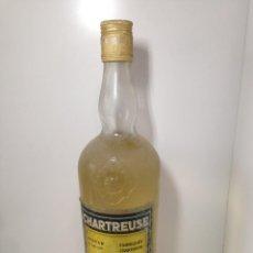 Coleccionismo de vinos y licores: CHARTREUSE GRANDE AMARILLO GRUÑO. Lote 184006473