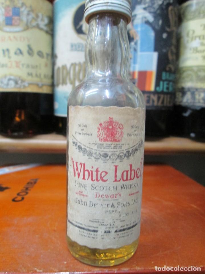 ANTIGUO BOTELLIN DEVAR´S FINE SCOTHC WHISKY (Coleccionismo - Botellas y Bebidas - Vinos, Licores y Aguardientes)