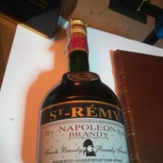 Coleccionismo de vinos y licores: BRANDY NAPOLEÓN. SAINT REMY. BRANDY FRANCES, EMBOTELLADO EN LAS DESTILERIAS DE ST. REMY-MACHECOUL. Lote 184416045