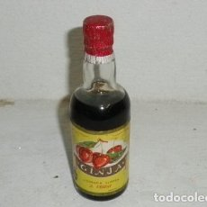 Coleccionismo de vinos y licores: ANTIGUO BOTELLÍN DE LICOR GINJA - J. FARIA - MADEIRA - PORTUGAL. Lote 185733996