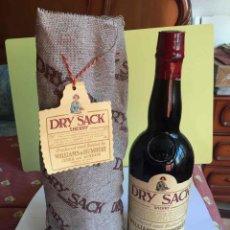 Coleccionismo de vinos y licores: ANTIGUA BOTELLA: DRY SACK SHERRY (JEREZ, WILLIAMS & HUMBERT, 1980) SIN ABRIR ¡COLECCIONISTA!. Lote 186138417