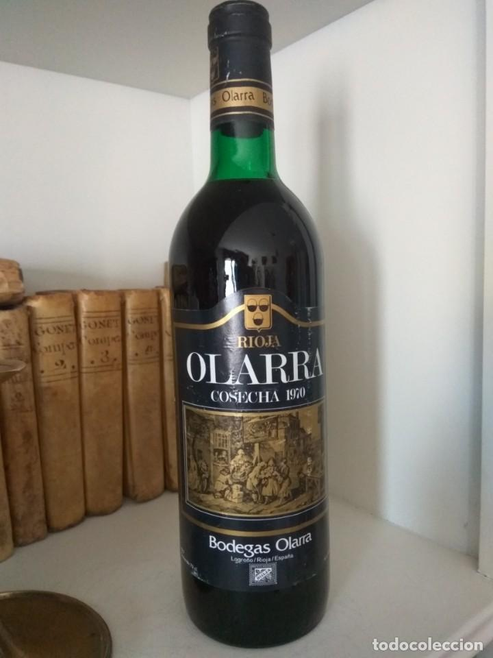 Coleccionismo de vinos y licores: BOTELLA DE VINO OLARRA COSECHA 1970 LOGROÑO-RIOJA - Foto 3 - 189339287
