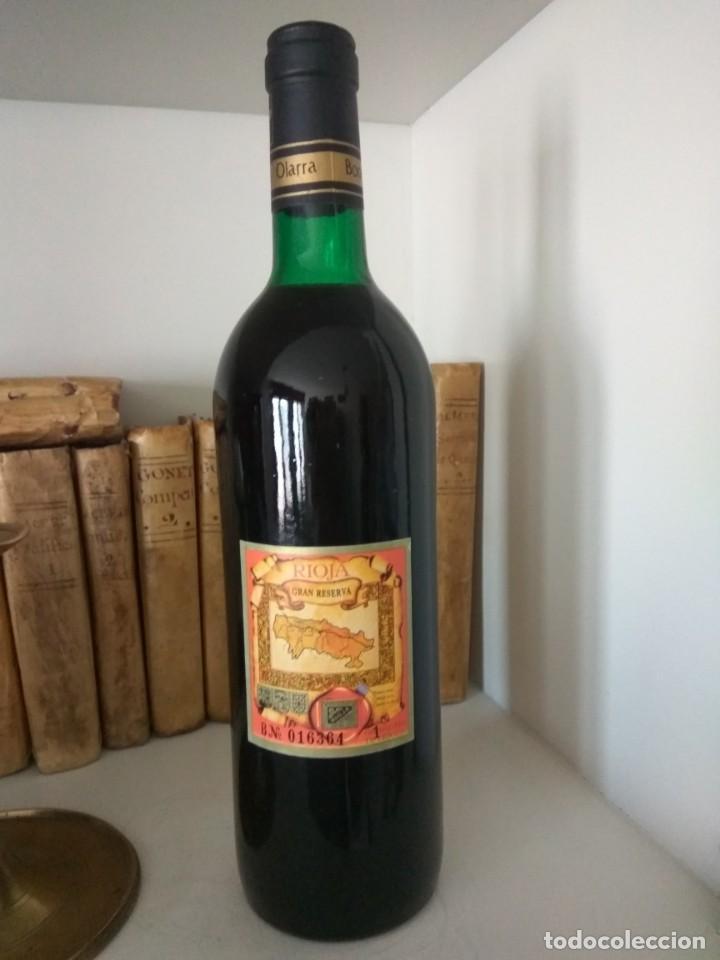Coleccionismo de vinos y licores: BOTELLA DE VINO OLARRA COSECHA 1970 LOGROÑO-RIOJA - Foto 6 - 189339287
