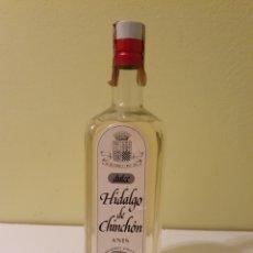 Coleccionismo de vinos y licores: BOTELLA ANIS DULCE DE UN LITRO HIDALGO DE CHINCHÓN MARIE BRIZARD. Lote 189636113