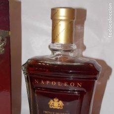 Coleccionismo de vinos y licores: BOTELLA VINTAGE BRANDY COÑAC COGNAC PRINCE HUBERT POLIGNAC NAPOLEON. Lote 190546273