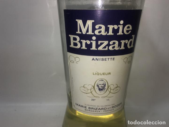 Coleccionismo de vinos y licores: Botella de anís marie brizard - Foto 2 - 190820796
