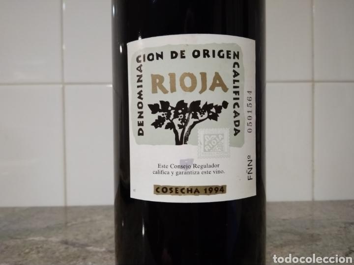 Coleccionismo de vinos y licores: Señorío de Araco. Botella de vino. Rioja 1994 - Foto 5 - 219337916