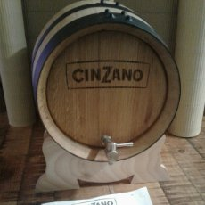 Coleccionismo de vinos y licores: CINZANO - BOTA DE ROBLE NATURAL - VERMUT ITALIANO. Lote 191635665