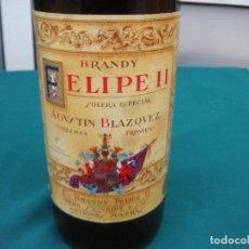 Coleccionismo de vinos y licores: BOTELLA BRANDY FELIPE II AÑO 1975 PRECINTO 4 PESETAS SIN DESPRECINTAR. Lote 191757668