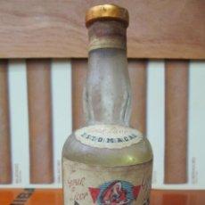 Coleccionismo de vinos y licores: ANTIGUO BOTELLIN, GRAN LICOR ESTOMACAL MONTAÑA.. Lote 191996577