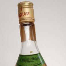 Coleccionismo de vinos y licores: HIERBAS DULCES 2 PERELLONS. Lote 192765437